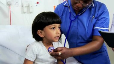 Close Up Asian Indian Child Receiving Specialist Paediatric Care — Stock Video