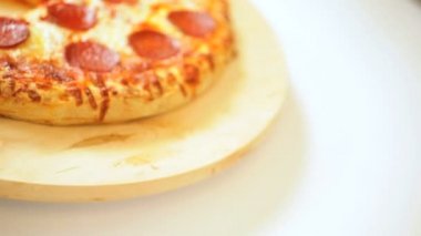 Home Baked Deep Crust Cheese Pepperoni Pizza — Stock Video