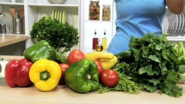 Caucasian Female Fresh Vegetable Selection — Wideo stockowe