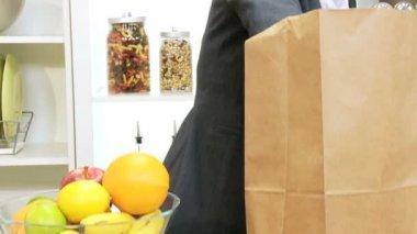 Caucasian Businesswoman Shopping Bag Fresh Fruit — Stock Video