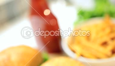 Bread Bun Filled Minced Beef Topped Fresh Salad Vegetables — Stock Video