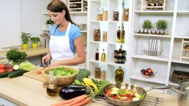Young Female Preparing Healthy Organic Salad Vegetables — Stock Video