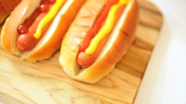 Traditional American Hot Dog Snack Food with Ketchup — Stock Video