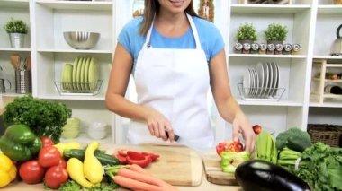 Brunette Girl Kitchen Preparing Fresh Vegetarian Meal — Stock Video
