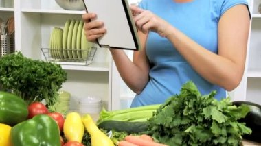 Caucasian Girl Using Recipe Wireless Tablet Healthy Living — Stock Video