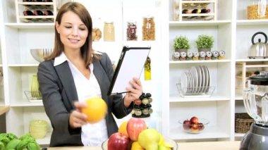 Smart Female Wireless Tablet App Online Healthy Website — Vídeo Stock