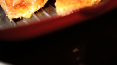 Tasty Chicken Cooked Hot Griddle Pan — Stock Video