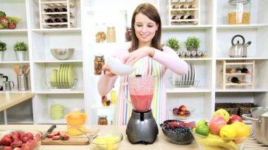 Healthy Caucasian Girl Making Fresh Fruit Smoothie — Stock Video