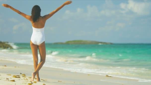 Фото пляж голі ноги фото 655-160