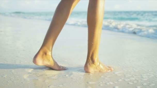 Фото пляж голі ноги фото 655-789