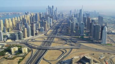 Jumeirah Lakes Interchange, Sheikh Zayed Road — Stock Video