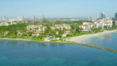 Fisher Island exclusive luxury apartments — Stock Video