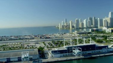 Cruise Ship Terminal Miami City condominiums — Stock Video