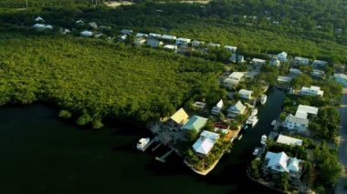Key Largo luxury tropical residential homes — Stock Video
