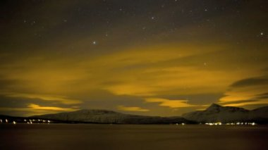 Northern Lights with scenic skyscape — Stock Video