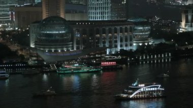 Huangpu River with tourist cruise boats — Stock Video