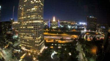 Los Angeles City commuter traffic night Highway Skyscrapers, USA — Stok video