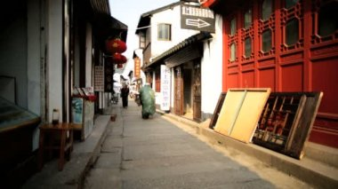 Narrow streets Zhujiajiao water town — Stock Video