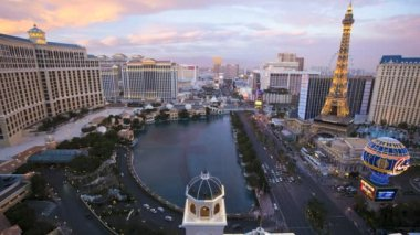 Sunset Bellagio fountains city Las Vegas Strip — Stock Video