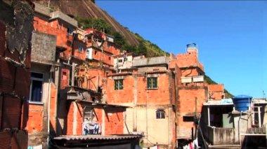 Favela dwellers hillside homes — Stock Video