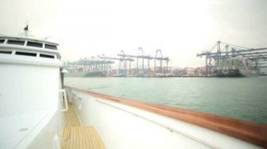 Luxury cruising yacht at port — Stock Video