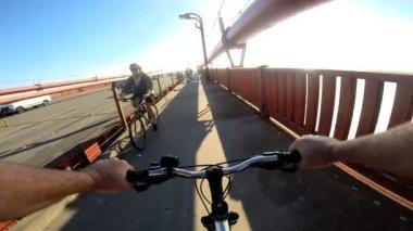 Bicycle riding on Golden Gate Bridge — Stock Video