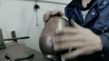 Pot worker manufactured metal object — Stock Video