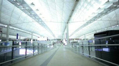 Indoors international airport terminal building — Stock Video