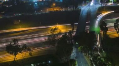 Los Angeles City commuter traffic night Highway Skyscrapers USA — Vídeo de Stock