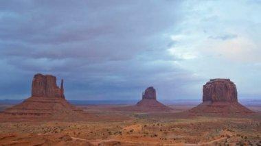 Monument Valley Mittens National Park desert, Plateau, Arizona, USA — Stock Video