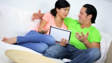 Couple using wireless tablet — Stock Video
