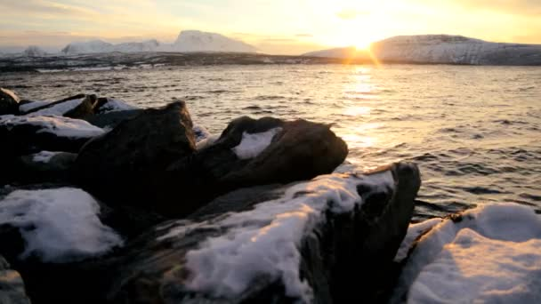 Scenic frozen landscape with sunset — Vídeo de stock