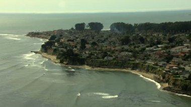 California Coastline Santa Cruz structure commuter — Stock Video