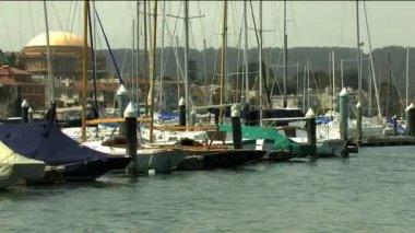 Ocean sailing boats at harbor — Stock Video