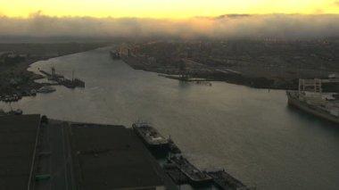 Port Oakland San Francisco at sunset — Stock Video