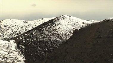 Alaskan Landscape with snowcapped Peak — Stock Video