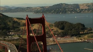 Aerial Highway 101 Golden Gate Bridge travel USA — Stock Video