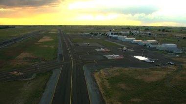 Aerial Idaho USA airport sunset business runway travel — Stock Video