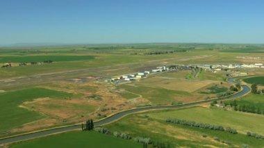 Aerial Idaho Twin Falls Magic valley airport farmland — Stock Video
