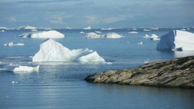 Glacier at Ilulissat  and arctic floes — Stock Video