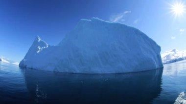Ilulissat icefjord diskobukten — Stockvideo