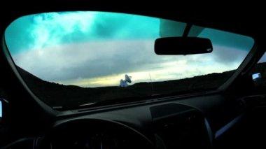 Kör nära astronomiska maträtt forskningsanläggning — Stockvideo