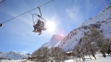 French Skiing Resort Cable Car Transport — Stock Video