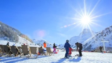 People on Ski Resort valley France Alps — Stock Video