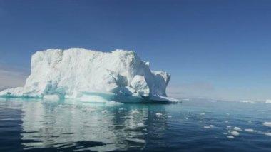 Disko Bay floating glacial iceberg — Stock Video