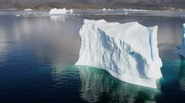Disko Bay Greenland Floating Ice Mass — Stock Video