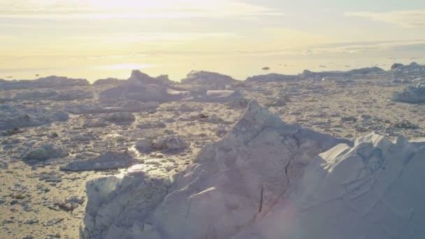 Eqi Glacier Greenland Floating Ice Mass — Vídeo de stock