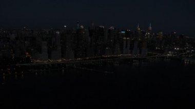 Illuminated Midtown Manhattan skyscrapers New York — Stock Video