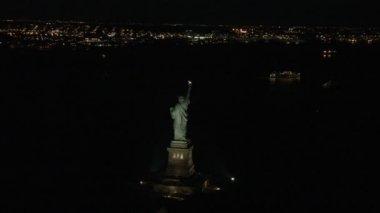 Illuminated New York Statue of Liberty — Stock Video