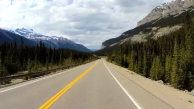 Driving road trip glacial valley — Stock Video